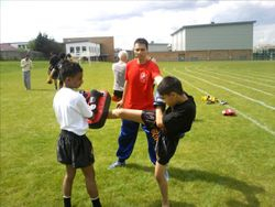 Shakeel on pads for Arun