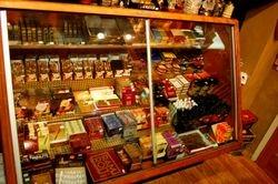 Cigar showcase