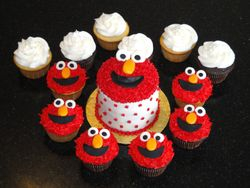 Elmo Birthday Mini Cake & Cupcakes