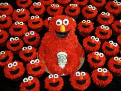 3D Carved Elmo Cake & Cupcakes