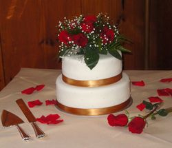 2 Tiered Wedding Cake with Red Roses & Antique Gold Trim
