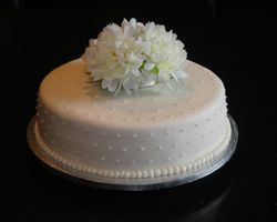 Single Tiered Wedding Cake with Chrysanthemums