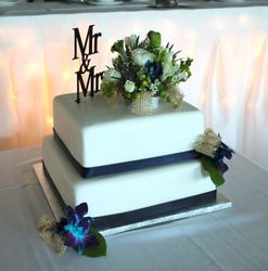 2 Tiered Square Wedding cake with fresh flowers