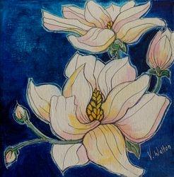 Magnolia in blue