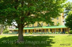 Hotel Lenhart- Bemus Point, NY