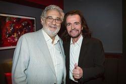 Dos maestros - Placido Domingo y Yanni