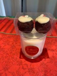 Small candle & 2 pudding truffles