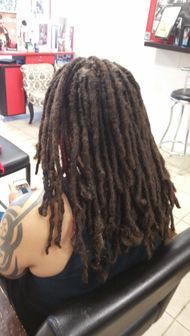 Braids by Bee is known to install and start dreadlocks with all types of texture hairs with her technique of Instantlocs.