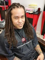 Braids by Bee starts and maintain all texture dreadlocks with her InstantLoc Dread Extensions reinforcement technique.