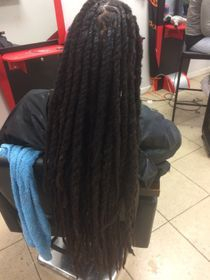 Braids by Bee loves to grow hair and has recommendations for all dreadlock clients on how to keep long, and healthy looking dreads.