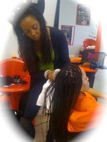 instantly loc in with Bee InstantLoc Dreads