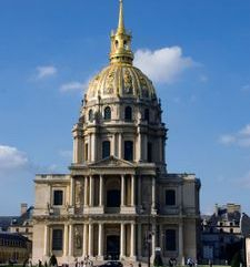 "src=""australian womens travel.jpg alt=womens travel,les invalides , paris france """