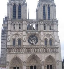 "src=""australian womens travel.jpg alt=womens travel,front view of notre dame , paris france """