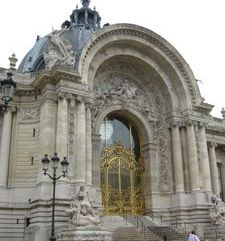 "src=""australian womens travel.jpg alt=womens travel,petit palais , paris france """