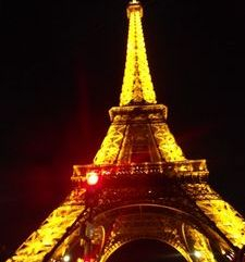 "src=""australian womens travel.jpg alt=womens travel,golden eiffel tower , paris france """