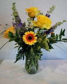 wildflower vase arrangement