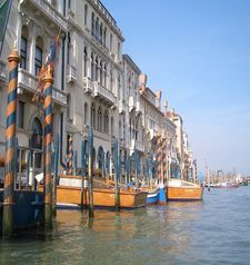 "<img src=""australian womens travel.jpg alt=womens travel, boats on the side of the grand canal, venice"">"