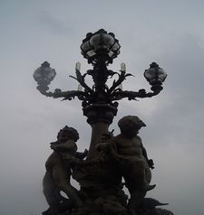 "src=""australian womens travel.jpg alt=womens travel,streetlamp , paris france """