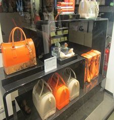 "womens tours.jpg alt=womens travel, handbag display, florence"">"