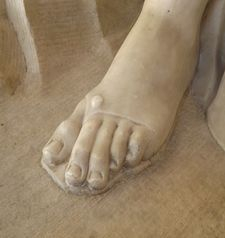 "womens tours.jpg alt=womens travel, foot of marble statue, florence"">"