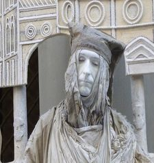 "womens tours.jpg alt=womens travel, human statue, florence"">"
