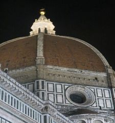"womens tours.jpg alt=womens travel, Brunelleshis dome at night, florence"">"