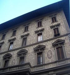 "womens tours.jpg alt=womens travel, decorated building, florence"">"