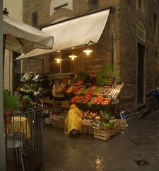 "womens tours.jpg alt=womens travel, fruit stall, florence"">"