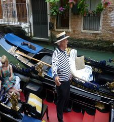 "womens tours.jpg alt=womens travel, gondalier, venice"">"