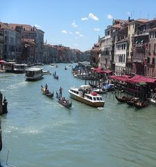 "womens tours.jpg alt=womens travel, grande canal from bridge, venice"">"