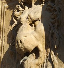 "womens tours.jpg alt=womens travel, lion statue, florence"">"