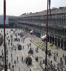 "womens tours.jpg alt=womens travel, high view of st marks square, venice"">"