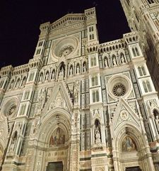 "womens tours.jpg alt=womens travel, front view of the duomo at night, florence"">"
