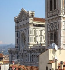 "womens tours.jpg alt=womens travel, side view of the duomo, florence"">"