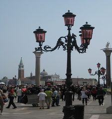 "womens tours.jpg alt=womens travel, streetlamps, venice"">"