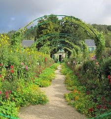 "ours.jpg alt=womens travel, overgrown path in september, monets garden, giverny, france"">"