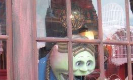 Window Browsing as a de-stressor