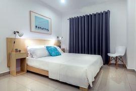 Chambre avec meubles au Ghana