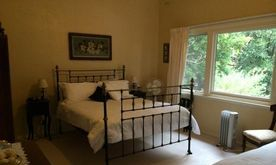 Litchfield Lodge B&B Foster