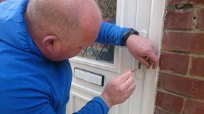 upvc door opening, learn how to pick euro locks, learn singhle pin picking, raking and all other forms of upvc door entry Mortice /Mortise locksmith, learn to open and pick mortice locks www.taylorslocksmiths.co.uk