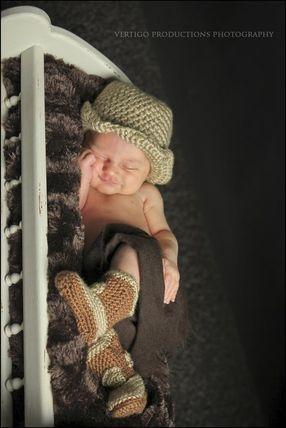 brockville newborn photographer,  newborn photographer, newborn photography, vertigo productions photography, vertigo productions, brockville photography studio, brockille photographer