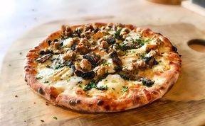 Trulli Woodfire Pizza, meeniyan