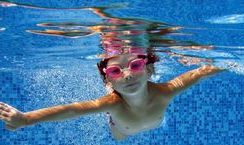Childrens swimming lessons in london