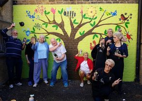 graffiti grannies tree