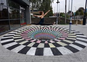 illusion 3d chalk art floor