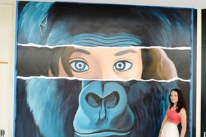 animal street art gorilla