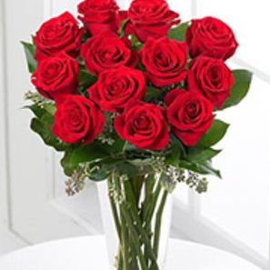 red rose bouquet in vase