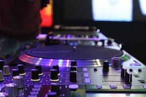 muziekverzorging met DJ Flamingo