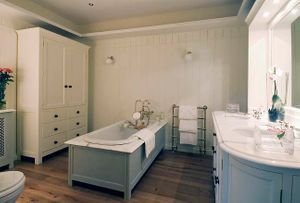 House cleaning, orange county, California for your bathroom