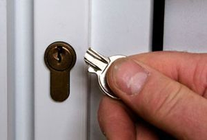 Emergency Locksmith Gateshead Snapped Keys in Lock